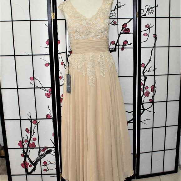izilady Dresses & Skirts - LACE APPLIQUE COCKTAIL DRESS 12  MOTHER OF Bride
